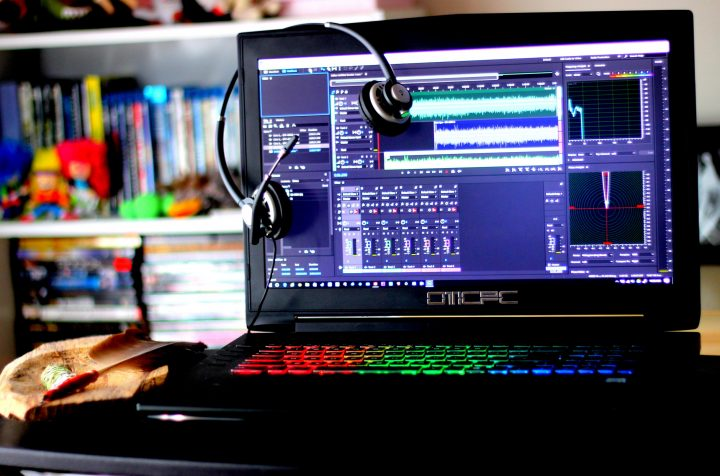 WHAT DO YOU NEED TO CONSIDER WHILE BUYING PODCASTING LAPTOPS