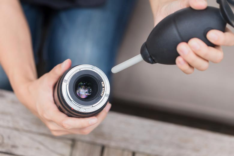 How Could You Check Dust on DSLR Camera Lens